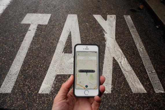 Taxi vs. Uber y Cabify