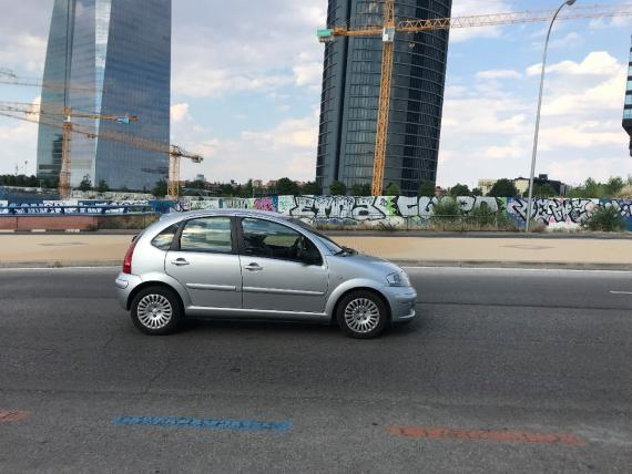 Por Madrid, circulan 400.000 coches diésel de 15 años o más.