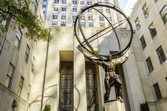 La estatua del titán Atlas en Nueva York.