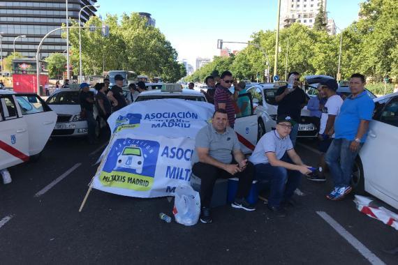 A las 19.00h, muchos taxistas todavía no conocían el resultado de la reunión.