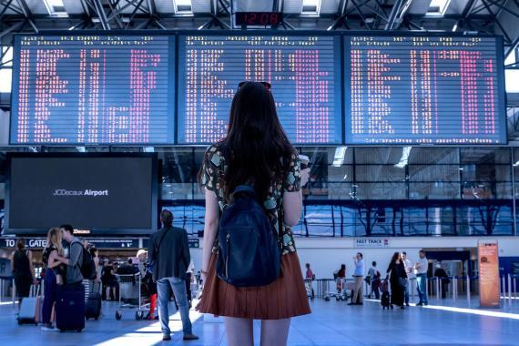 Viaje, aeropuerto, aerolínea, indecisión