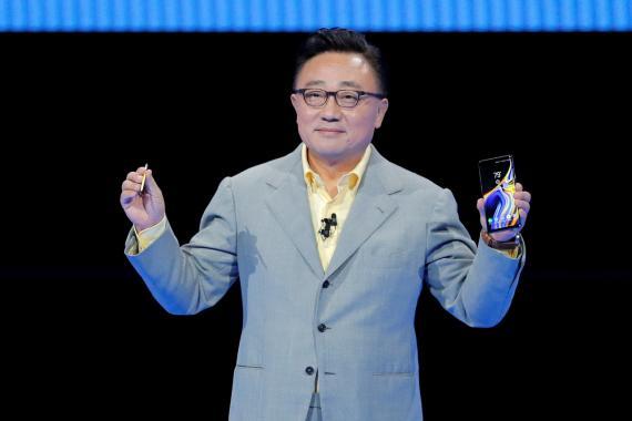 DJ Koh, durante la presentación del Note 9.