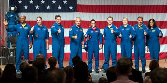 Estos son los 9 astronautas escogidos por la NASA para tripular las aeronaves de SpaceX y Boeing