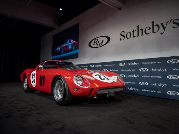 El Ferrari 250 GTO de 1962, vendido en una subasta por 48,4 millones de dólares