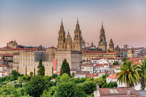 La catedral de Santiago de Compostela, desde el Parque de la Alameda