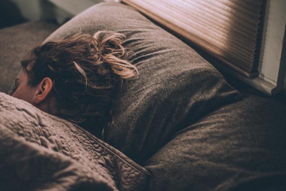 chica durmiendo, dormir