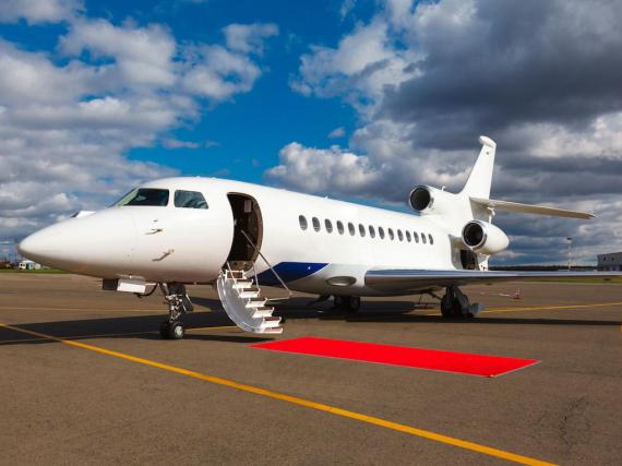 The number of flights on private jets jumped 10% in 2018, a Bloomberg analysis of Knight Frank and WingX data found.