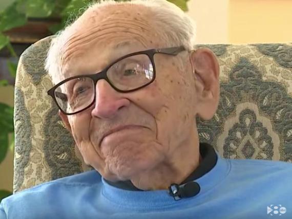 Orville Rogers cuenta con una fortuna de 5 millones de dólares para su jubilación porque comenzó a ahorrar muy pronto.