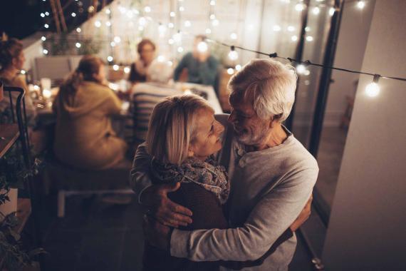 Pensionistas bailando