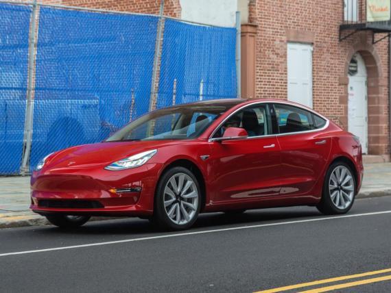 Un Tesla Model 3.