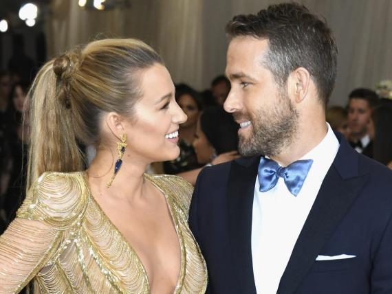 Blake Lively y Ryan Reynolds se llevan unos cuantos años.
