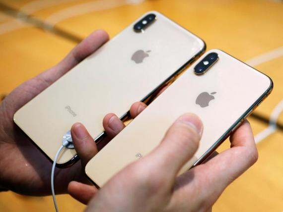 The new iPhone XS and iPhone XS Max.