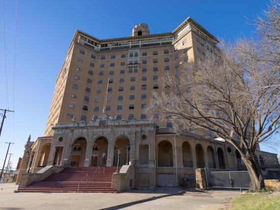 [RE] Hotel Baker, Mineral Wells, Texas.