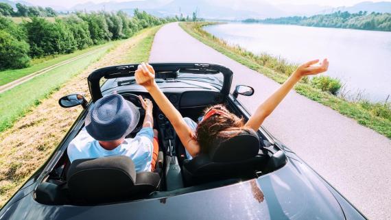 viajar en coche descapotable