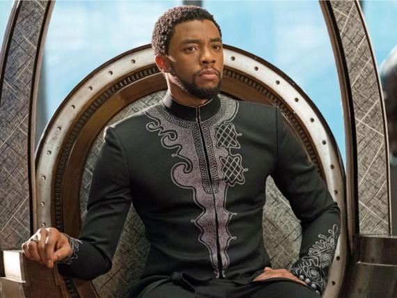 Chadwick Boseman interpreta al personaje principal en Black Panther.