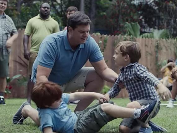 Gillette se enfrenta a multitud de críticas de hombres tras su anuncio