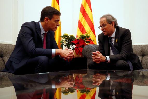 Pedro Sánchez, presidente del Gobierno, reunido con el presidente de la Generalitat, Quim Torra.