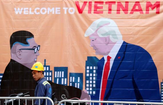 Cartel de Donald Trump y Kim Jong Un en Vietnam