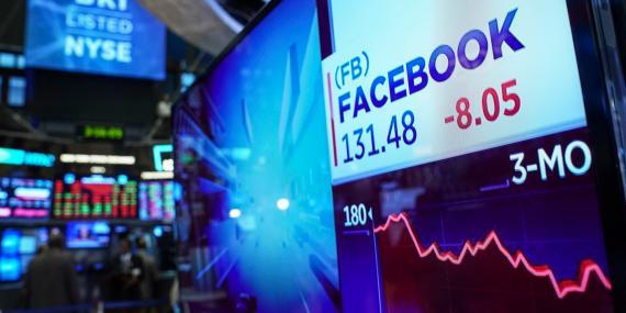 Un gráfico muestra las acciones de Facebook