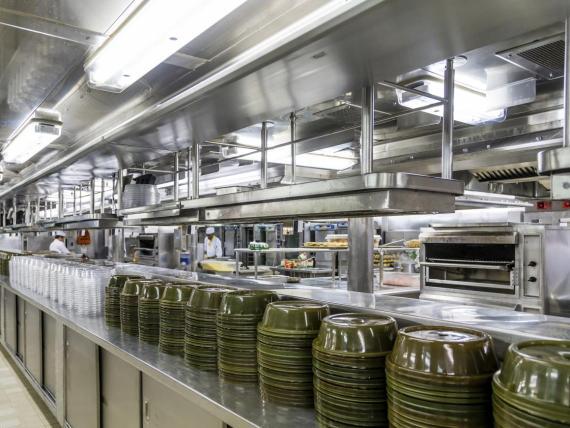 """[RE] """"La comida apesta"""", dijo un ex empleado de Norwegian Cruise Line y Holland America Line."""