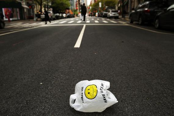 Una bolsa de plástico en la ciudad de Nueva York.