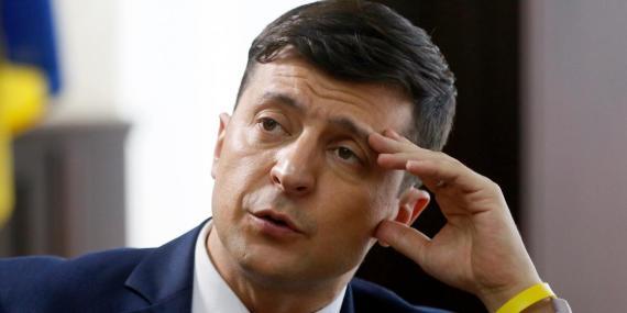 El cómico ucraniano Volodymyr Zelenskiy, que interpreta al presidente del país en un popular show televisivo y se presenta a la presidencia en las elecciones del próximo mes, fotografiado en el set de una película, en Kiev, Ucrania