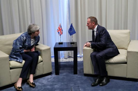 Theresa May y Donald Tusk.