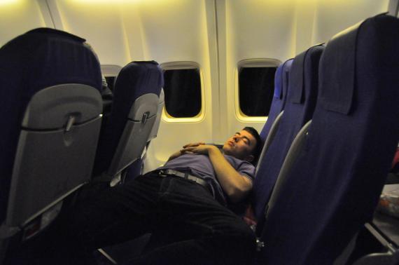 jet lag, cansancio en avión, sueño