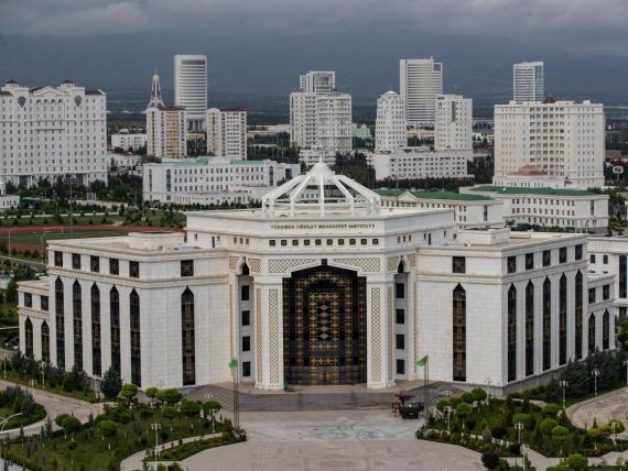 Ashgabat, en Turkmenistán, es una ciudad fantasma.