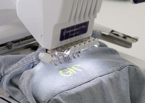 Así personalizará Zara tu ropa con la palabra que quieras