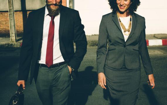 directivos, empresarios, compañeros de trabajo