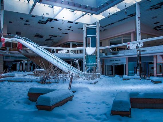 Los centros comerciales abandonadas se han convertido en un símbolo del apocalipsis del retail.