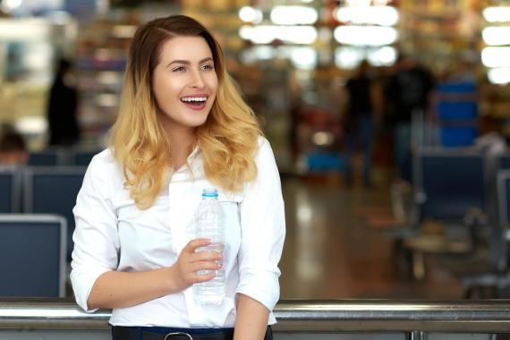 Agua de aeropuerto