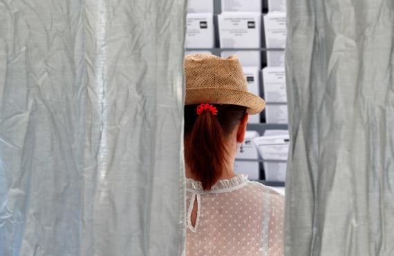 Cabina de votación de las Elecciones Generales 2019
