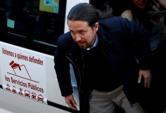 Pablo Iglesias, líder de Unidas Podemos, llega al debate electoral de Atresmedia en taxi.