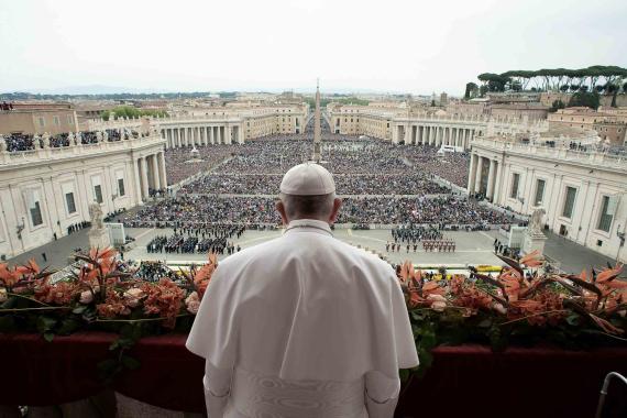 Papa Francisco en el balcón del Vaticano