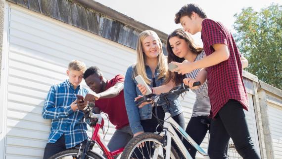 ¿Por qué los adolescentes estadounidenses están usando móviles desechables?
