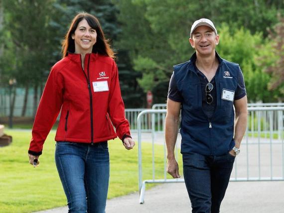 MacKenzie Bezos y Jeff Bezos.