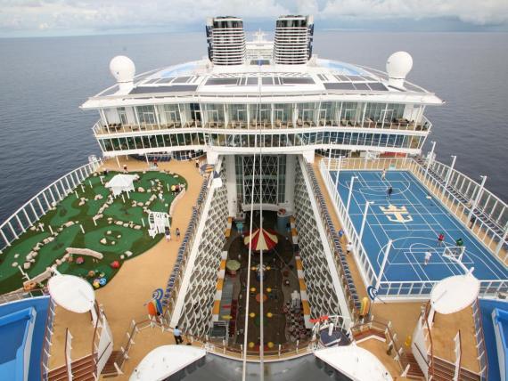Royal Caribbean hace que los gastos a bordo parezcan pequeños ofreciéndolos durante el proceso de reserva.