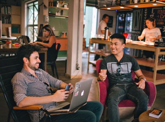 startup, coworking, jóvenes reunión