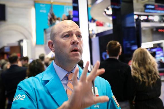 Un trader en la bolsa de Nueva York.