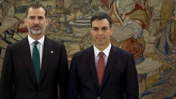 El Rey Felipe VI y Pedro Sánchez, presidente del Gobierno, en una fotografía de archivo.