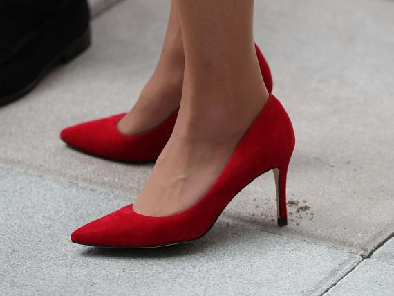 Thousands of people are calling on Japan to ban employers from requiring women to wear high heels in the workplace