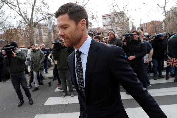 Alonso a la salida de los juzgados tras declarar por fraude fiscal en enero.