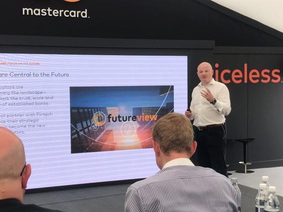 Ken Moore, vicepresidente ejecutivo de MasterCard Labs.