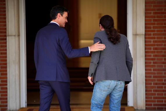 Pedro Sánchez y Pablo Iglesias durante una reunión.