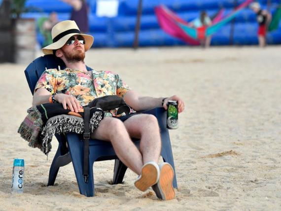 Un cuarto de los trabajadores reconoce sentirse harto del trabajo mientras sus compañeros se encuentran de vacaciones.