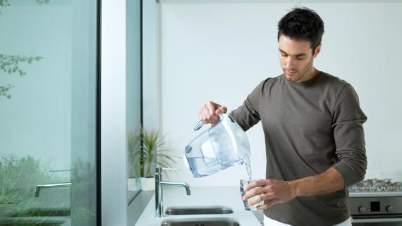 Tres gadgets para filtrar el agua del grifo de impurezas y de cal