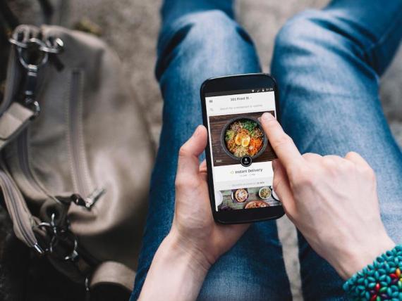Uber Eats está probando una opción para comer en el restaurante.