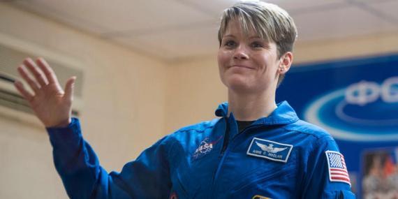 La astronauta Anne C. McClain.